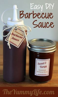 Want to try canning bbq sauce. 3 quick & easy barbecue sauce recipes for sweet & tangy, spicy, or smokey. Suitable for canning & great for gifts. Printable tags, too! Barbecue Sauce Recipes, Bbq Sauces, Barbeque Sauce, Sweet Tangy Bbq Sauce Recipe, Grilling Recipes, Cuisines Diy, Do It Yourself Food, Salsa Dulce, Chutneys