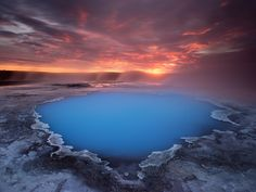 YALL. Marge here-check out the DEELISH eye candy of Antony Spencer. Good golly.--The Eye Of The Highlands - A tremondous sunrise over a remote geothermic region of the highlands of Iceland
