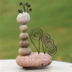River Stone and Wire Garden Rooster by Ancient Graffiti
