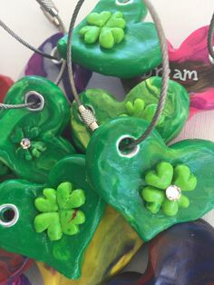 St. Paddy's day keychains for luck all year. 💚🍀💚🍀💚🍀💚🍀💚🍀💚 Http://www.theheartpainter.etsy.com