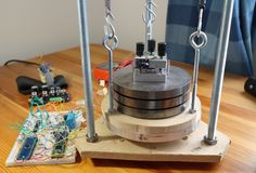 A home-built scanning tunneling microscope with atomic resolution