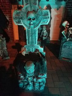 Haunted cemetery 2016...Throggs neck, BRONX NEW YORK.....created by John Cortese Halloween Tombstones, Haunted Halloween, Halloween Prop, Shakespeare Macbeth, Yard Haunt, Cemetery, Lion Sculpture, Make It Yourself, Statue