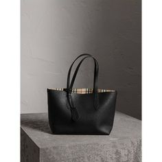 Burberry The Small Reversible Tote in Haymarket Check and Leather Suede Handbags, Quilted Handbags, Prada Handbags, Fashion Handbags, Fashion Bags, Luxury Fashion, Women's Fashion, High Fashion, Chloe Handbags