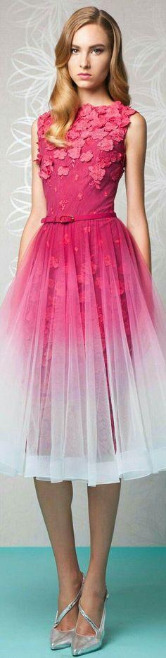 New Dress Wedding Pink Spring 2016 Ideas Lovely Dresses, Trendy Dresses, Pink Fashion, Fashion Dresses, Mode Rose, Gold And Black Dress, Estilo Real, Festa Party, Elegant Outfit