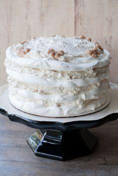 Meringue Discs - Pilar's Chilean Food & Garden in 2020 Chilean Recipes, Chilean Food, Moist Vanilla Cake, Cold Cake, Meringue Cake, Cheap Clean Eating, Tasty Chocolate Cake, Raspberry Cake, Caking It Up