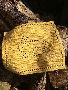 Bones: My mother's crocheted 1 Crochet Baby, Crochet Bikini, Knit Crochet, Crochet Potholders, Easter Art, Crochet Kitchen, Baby Gift Sets, Filet Crochet, Free Pattern