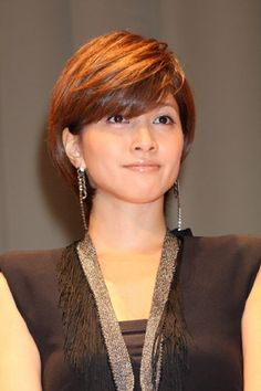 Uchida Bang Hair, Hairstyles With Bangs, Nice Body, Cool Style, Short Hair Styles, Hair Beauty, Hollywood, Women's Fashion, Actresses
