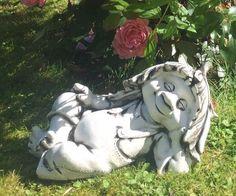 Bronzeskulptur kleiner Junge mit seinem Hund Gartenfigur Dekorationsfigur