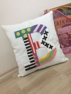 Pattern Blocks, Quilt Patterns, Decorative Items, Decorative Pillows, Punch Needle Patterns, Textiles, Diy Embroidery, Punch Art, Diy Pillows