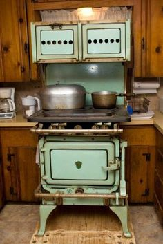 High Quality Gas Stoves For Sale : Green 1928 Chambers Stove. Antique Kitchen ...