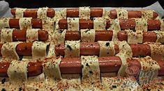 Bleskové párečky v listovém těstě Krispie Treats, Rice Krispies, Tapas, Snacks Für Party, Sausage, Desserts, Partys, Eating Raw, Food And Drinks