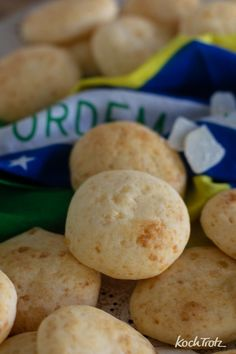 Lecker! Pão de queijo, brasilianische Käsebällchen. #backenohnemehl #glutenfrei #laktosefrei #eifrei #snack #rezept