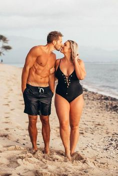 Why should I get him a curvy girl?: A woman fights her all too often insecurity Why Should I a Curvy Girl Get Him?: A Woman Tackles Her Too-Common Insecurity Why Should I a Curvy Girl Get Him?: A Woman Tackles Her Too-Common Insecurity Vintage - Plus Size Bikini Bottoms, Women's Plus Size Swimwear, Curvy Swimwear, Curvy Girl Outfits, Plus Size Outfits, Curvy Women Fashion, Fitness Home, Summer Fitness, Health Fitness