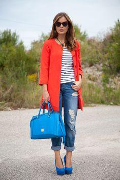 25 Kleidungsstücke – 50 Looks: Outfit 38 – Hallhuber Sommermantel + Tom Tailor Streifenshirt + Asos Boyfriend-Jeans