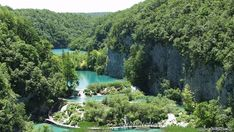 Croatia Plitvice Lakes National Park is an incredible scenic spot you simply must see. It is considered to be the most amazing waterfall in Europe. Croatia National Park, Plitvice Lakes National Park, Palawan, Lago Moraine, Places To Travel, Places To See, Wonderful Places, Beautiful Places, Parque Natural