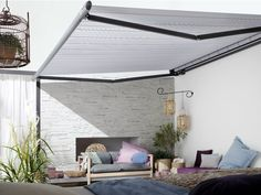 Markilux 1650 strong semi-cassette folding arm patio awning with built-in lighting and chain-link operating feature. Pergola With Roof, Patio Roof, Pergola Plans, Diy Pergola, Pergola Kits, Patio Awnings, Pergola Designs, Patio Design, Retractable Awning Patio
