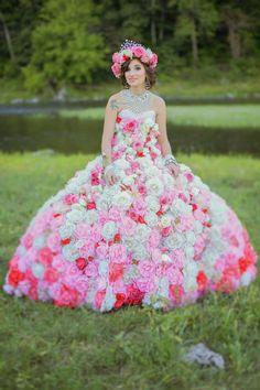 9c4f239e19e Maquayla flower dress in field - My Big Fat American Gypsy Wedding.