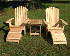 Great handmade wooden Coaches Chair, perfect on your deck or back patio Adirondack Furniture, Adirondack Chairs, Outdoor Furniture, Cedar Furniture, Pallet Furniture, Garden Furniture, Furniture Ideas, Furniture Design, Old Chairs