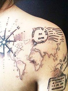 Passstempel-Tattoos sind perfekt für alle Reisefans.
