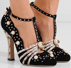 "Gucci ""Ofelia"" Pearl-Embellished Pumps"