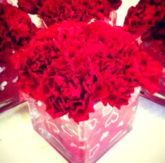 Floral Valentine Centrepiece - Red Carnations © Marie-Claude Cuerrier 2013