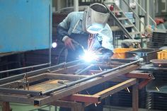 Allied Steel Distribution & Service Center offers #Weldingservices to their clients. They are known to be licensed and certified workers. What Is Welding, Area Industrial, Mobile Welding, Euro, Welding Services, Types Of Welding, Steel Companies, Welding Supplies, Construction Firm