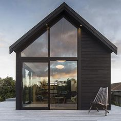 Cabin Dreaming | Thurston Studio designed by Architect Cushla Thurston | Located in Wellington, New Zealand | Photographed by Paul McCredie
