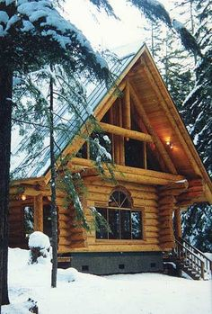 Log Cabin Living, Log Cabin Homes, Log Cabins, Cozy Cabin, Cozy House, Cabins In The Woods, House In The Woods, Small Log Homes, Log Home Decorating