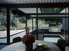 Julius Shulman Photographs Case Study House #21 | Daily Icon