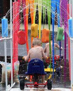 Coole Idee: Eine Kinder-Autowaschanlage, nun ja... Dreiradwaschanlage. Eine…