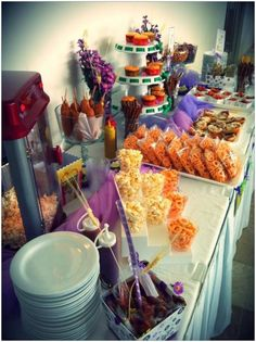 Ideas to decorate a table for a party Mexican Candy Table, Mexican Snacks, Mexican Party, Mexican Birthday, Dessert Buffet Table, Candy Buffet, Dessert Bars, Candy Bar Party, Party Snacks