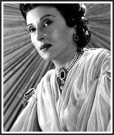 KATINA PAXINOU.  One of the Greek Oscars  !!!! Actor Secundario, Cinema Theatre, Tv Series, Greece, Actors, Oscars, Film, Hollywood Actresses, Classic Hollywood