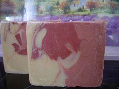 JABÓN DE ORTIGA VERDE 369 gr. a. oliva 11 gr. a.de coco 110 gr. a. de palma 55 gr. manteca de karité 19 gr. a. de pepit...
