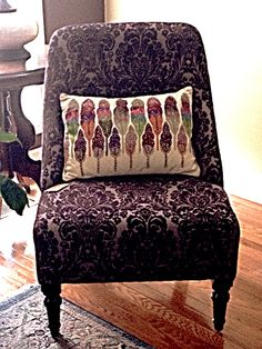 Love this pillow and chair combo!