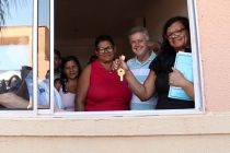 Governador entrega 688 apartamentos no Riacho Fundo II - http://noticiasembrasilia.com.br/noticias-distrito-federal-cidade-brasilia/2015/12/12/governador-entrega-688-apartamentos-no-riacho-fundo-ii/