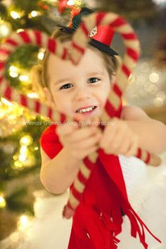 christmas pictures 35 of the Cutest Holiday Family Photo Ideas to Use as Your Christmas Card: Whether you start planning your perfect family holiday portrait in July or put it off until the last minute, were here to help! Xmas Photos, Family Christmas Pictures, Holiday Pictures, Christmas Photo Cards, Family Holiday, Holiday Cards, Christmas Cards, Xmas Family Photo Ideas, Christmas Ideas