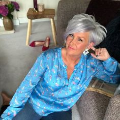 It's the start of the weekend and I'm looking forward to getting out and about with no fixed plans. Whatever your plans are wrap up warm it's going to be a cold one 🥶, and this is May 🤪. Blouse - - - paid for with discount Earrings - - gifted . Short Grey Hair, Short Blonde, Short Hair Cuts For Women, Short Hairstyles For Women, Gray Hair, Pixie Bob Hairstyles, Short Curly Haircuts, Silver Hair Highlights, Stacked Hair