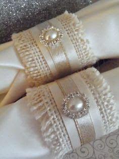 Ideas For Wedding Table Settings Napkins Ribbons Wedding Reception Centerpieces, Wedding Table, Wedding Decorations, Table Decorations, Burlap Projects, Burlap Crafts, Diy And Crafts, Vintage Christmas Wedding, Napkin Folding