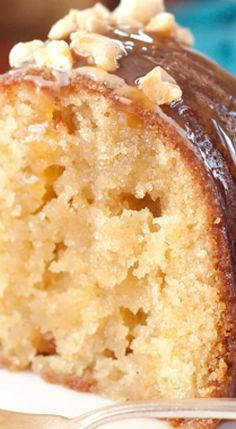 Salted Caramel Kentucky Butter Cake ~ A homemade moist and buttery cake recipe with a caramel butter sauce that is rich,delicious, and soaks into the cake! Easy cake recipes for beginners Just Desserts, Delicious Desserts, Dessert Recipes, Yummy Food, Health Desserts, Dessert Food, Southern Desserts, Simple Dessert, French Desserts