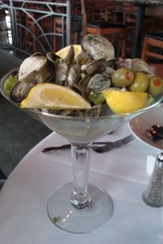 Fan of clams? You're going to want to order this - served in an oversized martini glass, this appetizer is enough for 2-3.