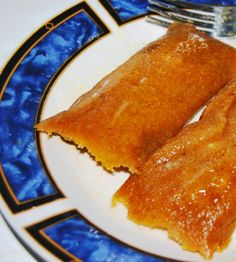 A Christmas tradition! Pasteles are a traditional Puerto Rican dish similar to tamales. Pasteles are mostly served during the holiday season. Puerto Rican Bread Pudding Recipe, Pasteles Puerto Rico Recipe, Pasteles Recipe, Puerto Rican Pasteles, Puerto Rico Food, Puerto Rican Dishes, Puerto Rican Cuisine, Puerto Rican Recipes, Mexican Food Recipes