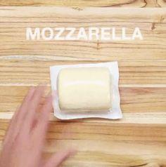 This how to make Mozzarella-Stuffed Slow Cooker Meatballs - 9GAG