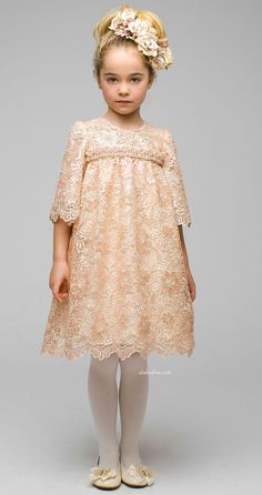 Best known for their flamboyant fashion pieces for girls, Graci creates dresses of liquid silk and soft tulle all sprinkled with clever use. Little Dresses, Little Girl Dresses, Cute Dresses, Girls Dresses, Flower Girl Dresses, Little Girl Fashion, Toddler Fashion, Kids Fashion, Outfits Niños