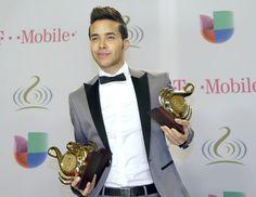 Premio lo nuestro February 24, 2014 | the Premio Lo Nuestro Latin Music Awards Show in Miami, Thursday, Feb ... So cute Prince Royce