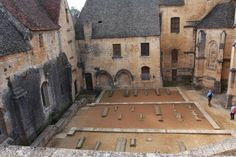 This cemetery in the town of Sarlat France dates back to the time of the crusades.