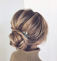 wedding hair bangs These Gorgeous Updo Hairstyle That Youll Love To Try! Whether a classic chignon, textured updo or a chic wedding updo with a beautiful details. These wedding updos are perfect for any bride looking for a unique wedding hairstyles Evening Hairstyles, Chic Hairstyles, Hairstyle Ideas, Bridal Hairstyles, Hair Ideas, Fringe Hairstyles, Hairstyles Pictures, Straight Hairstyles, Elegant Hairstyles