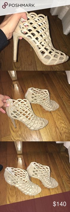 Vince Camuto heels size 8 Brand new  Size 8 Vince Camuto Shoes Heels