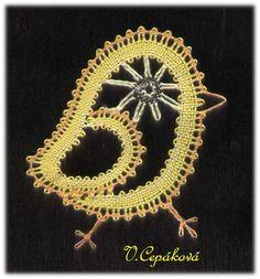 technika - plátýnko na očka s krajním krouceným párem Irish Crochet, Crochet Motif, Crochet Stitches, Bobbin Lace Patterns, Embroidery Patterns, Stitch Patterns, Bobbin Lacemaking, Lace Heart, Lace Jewelry