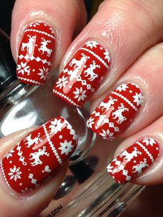 Canadian Nail Fanatic: Reindeer Sweater Nails