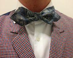 Bespoke bow-tie of classy mousseline de laine cloth.